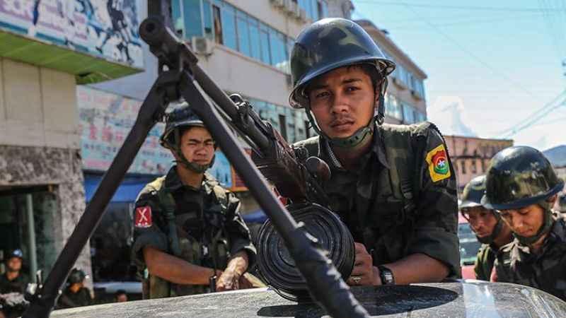 Myanmar'da Ordu ile silahlı grup arasında çatışma çıktı! 5 asker öldü!