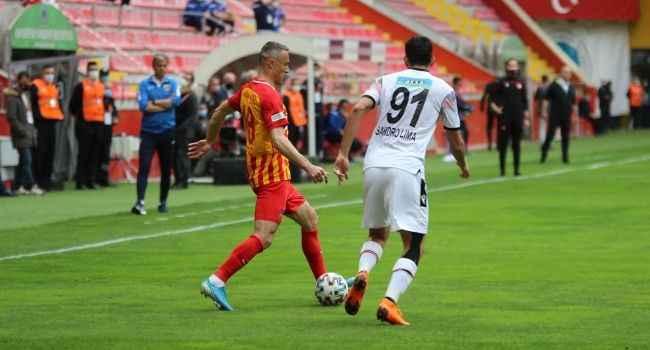Kayseri'de gol düellosunda kazanan çıkmadı