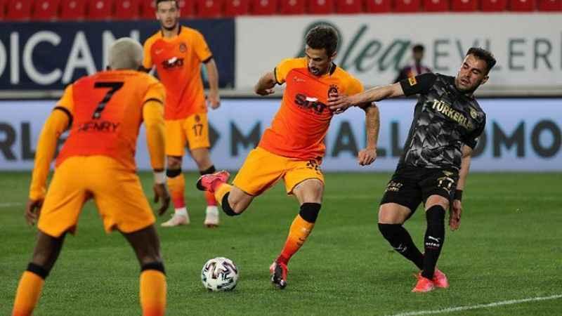 Galatasaray'da Fatih Terim, 9 oyuncu hakkında kararını verdi!