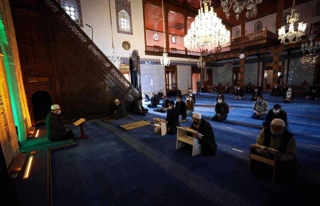 Camiler Ramazan'da yeniden mukabele halkalarıyla buluştu - Son dakika haberler