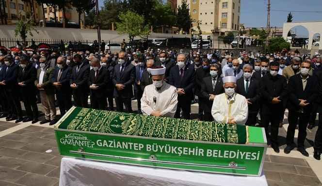 Şamil Tayyar'ın babası Hüseyin Tayyar defnedildi