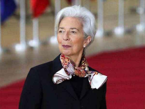 Christine Lagarde ekonomik toparlanma için tarih verdi