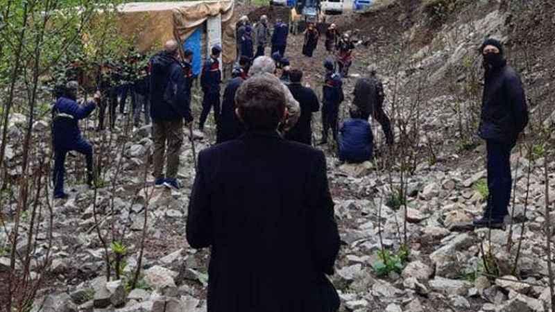 Köylüler nöbette: Ferman padişahınsa dağlar bizimdir