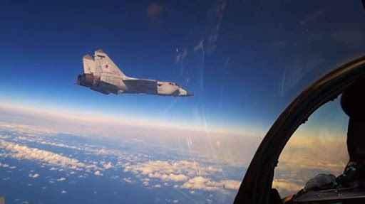 Havada büyük gerginlik! Rus jetleri ABD casus uçaklarını engelledi
