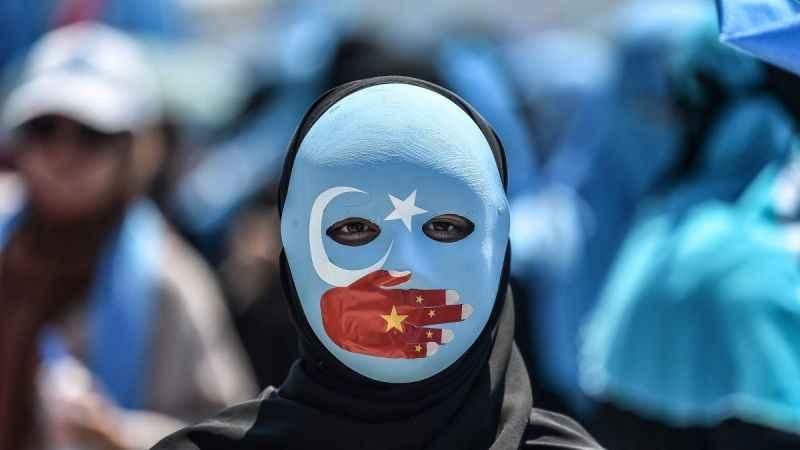 Doğu Türkistanlı çocukların kimi kampta kimi Çinlilerin evinde