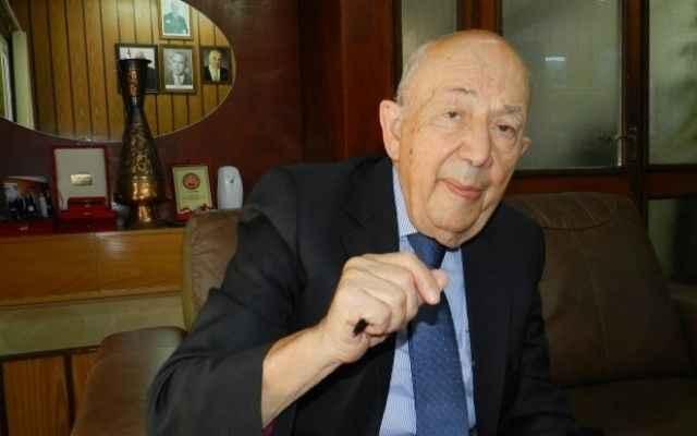 Rüstem Tatar kimdir?