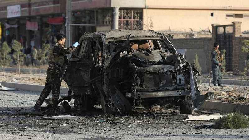 Son Dakika: Afganistan'da güvenlik müdürünün aracına bombalı saldırı!