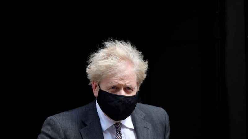 İngiltere'de skandal iddia! Johnson cesetlerin yığılmasını tercih etti