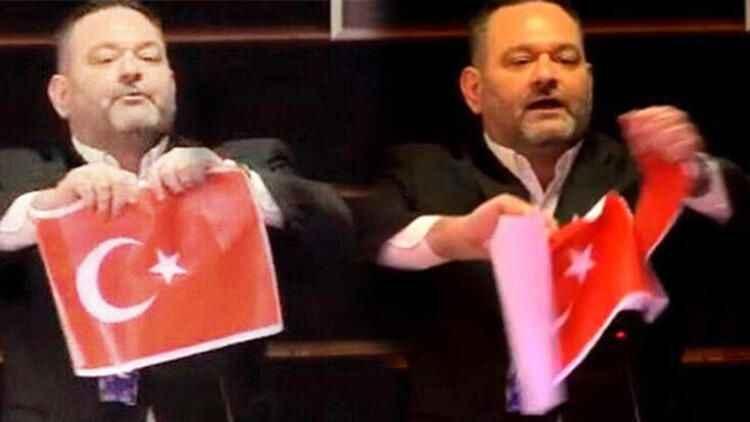 Türk Bayrağını yırtan ırkçı Yunan vekilin dokunulmazlığı kaldırıldı!