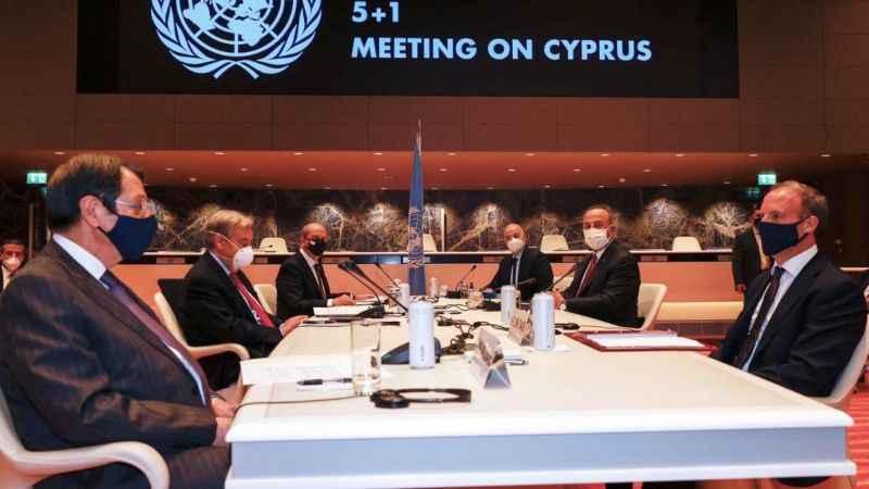 """Kıbrıs müzakerelerinde ikinci gün! Çavuşoğlu: """"Tam destek veriyoruz"""""""