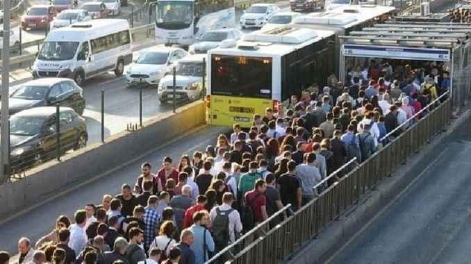 İBB'den tam kapanma sürecinde toplu taşıma sefer saatleri düzenlemesi