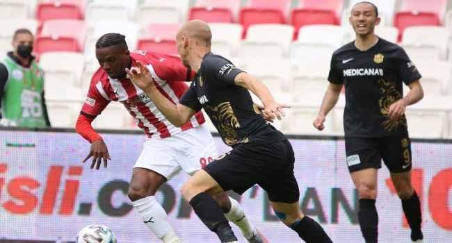 Sivasspor yenilmezlik serisini 15 maça çıkardı