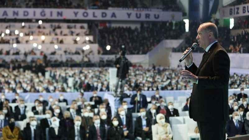 """Ahmet Takan'dan, AK Parti'ye 'lebaleb' kongre tepkisi: """"AKP mutantı"""""""