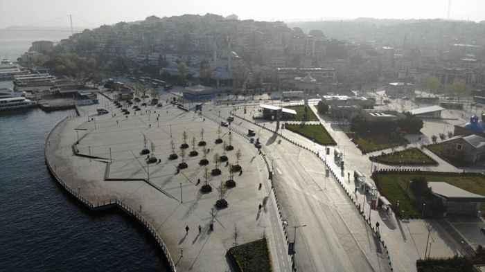 Tam kapanma sonrası Kadıköy ve Üsküdar'da meydanlar sessizliğe büründü