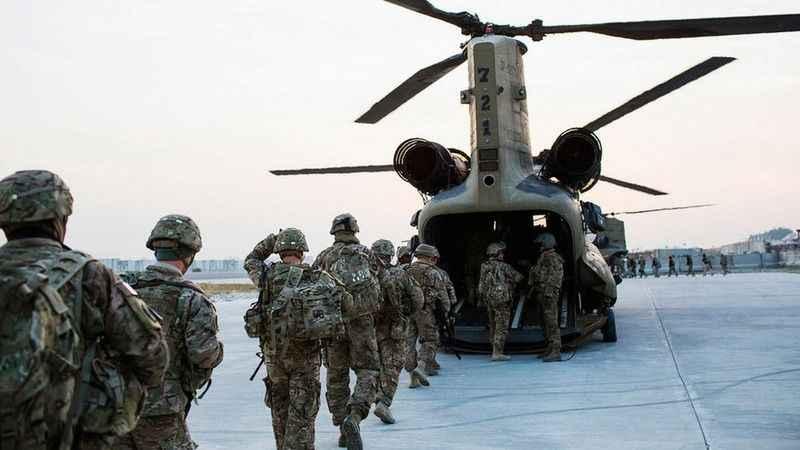 ABD ve NATO Afganistan'dan resmen çekilmeye başladı