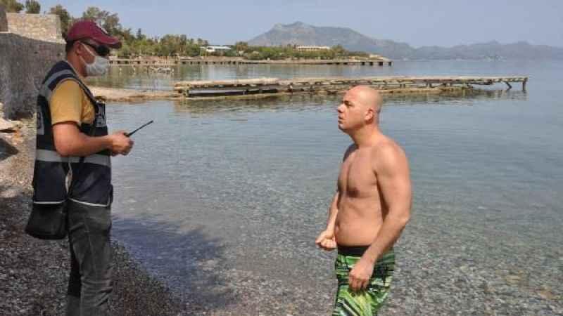 'Denize girenleri görünce ben de yüzdüm, meğer turistlermiş'