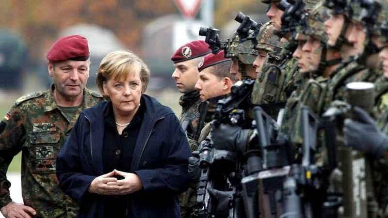 Almanya'da darbe girişimi! Berlin'i kuşatıp Merkel'i indireceklerdi