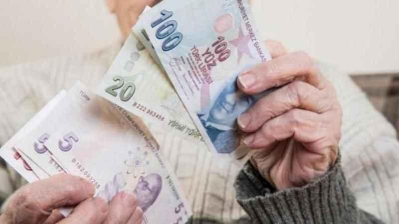 Emekliler maaşlarını nasıl alacak? Emekliler için kritik açıklama...