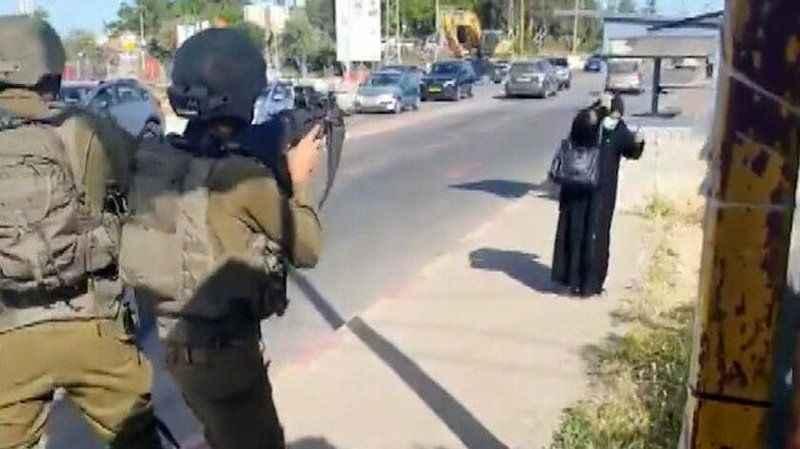 Siyonist İsrailli teröristlerce vurulan Filistinli kadın şehit oldu