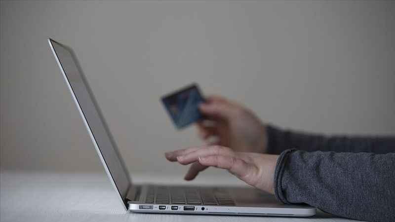 Kapanma döneminde fitre ve zekat internetten verilir mi?