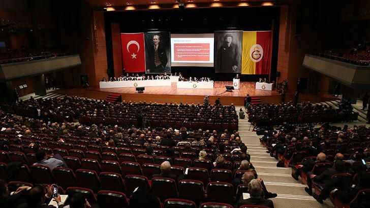 Galatasaray'da peş peşe istifalar! Başkan Cengiz ihraç edilebilir