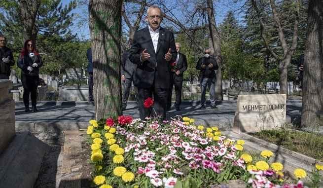 Kılıçdaroğlu, Deniz Gezmiş ve arkadaşlarını andı