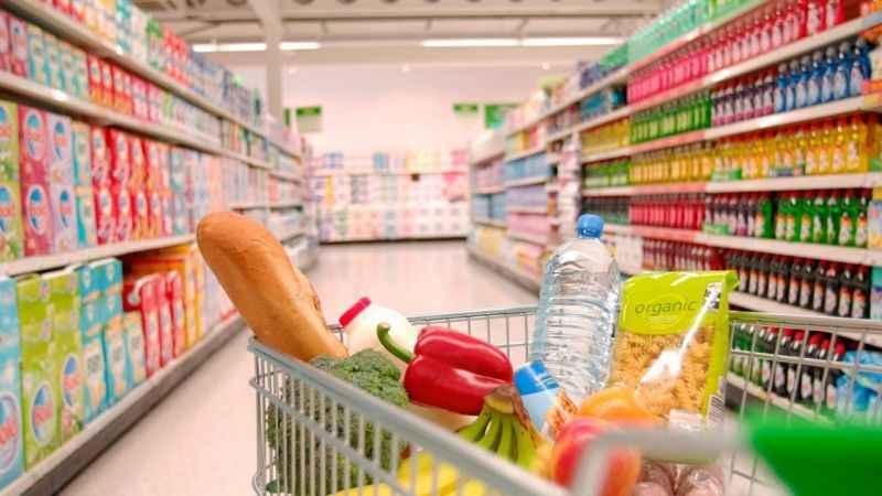 Tam kapanma önlemleri yürürlüğe girdi: Süpermarket ve zincir marketlerde hangi ürünler satılacak?