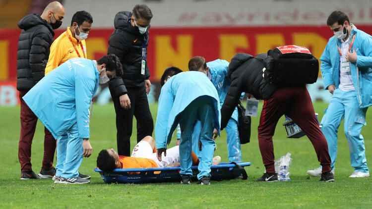 Galatasaray'da Mostafa Mohamed depremi! Sedyeyle çıktı