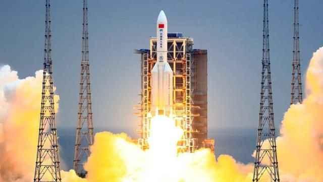Çin'in kontrolden çıkan roketi dünyaya yaklaşıyor!