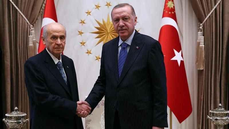 AK Parti ve MHP arasında anayasa çatlağı!
