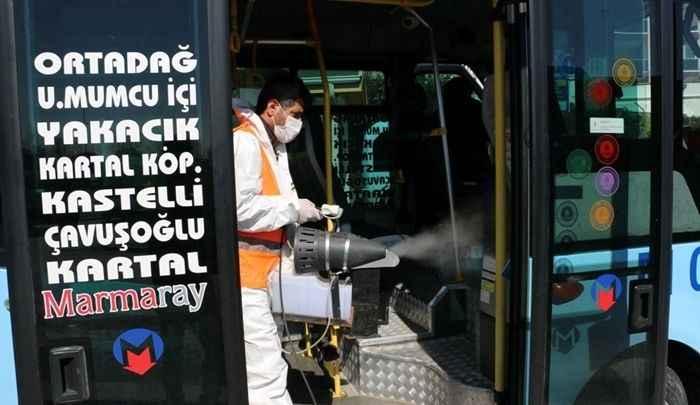 Kartal Belediyesi temizlik hizmetlerine kapanmada da devam ediyor