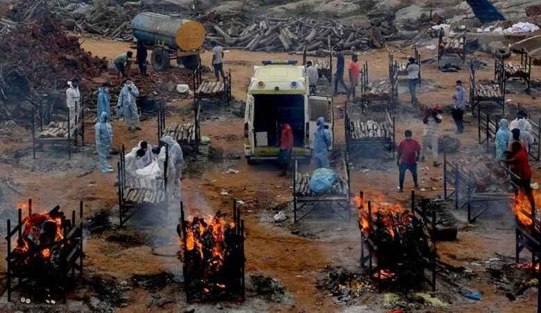 Hindistan'da acı tablo! Ölüler Ganj nehrine atıldı