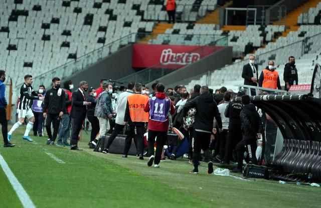 Beşiktaş, Karagümrük'e kaybetti ve ortalık savaş alanına döndü