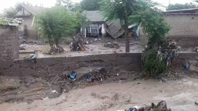 Tacikistan'da sel felaketi: 7 ölü