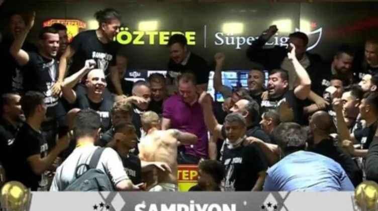 Şampiyon Beşiktaş'ta futbolculardan Sergen Yalçın'a sürpriz!