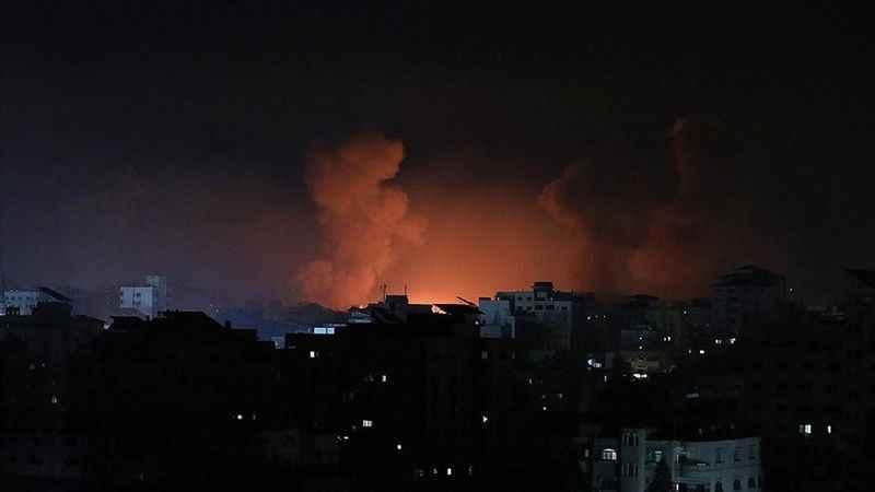 Siyonist İsrail Gazze'de hastaneleri hedef aldı!