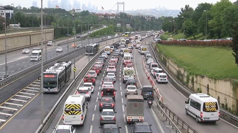 17 günlük kısmi kapanmanın ardından İstanbul'da trafik yoğunluğu