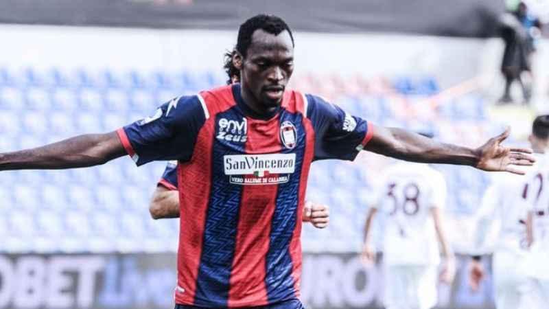 Beşiktaş'ın transferde yolu Crotone'den geçiyor!