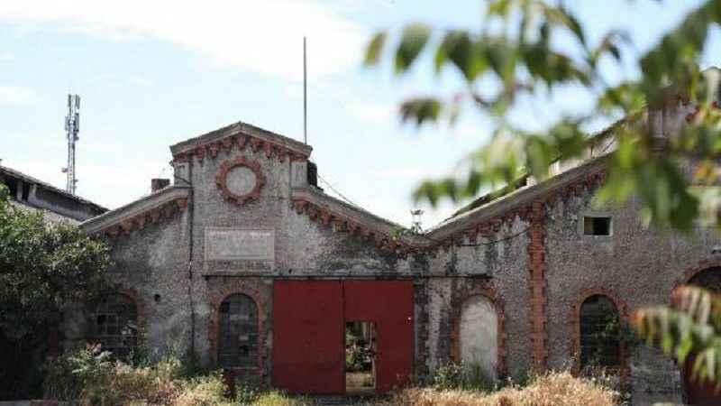 Osmanlı'nın ilk kibrit fabrikası satışa çıkarıldı