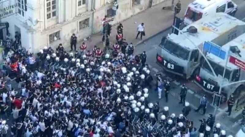 Kutlamaya katılmak isteyen Beşiktaş taraftarına müdahale