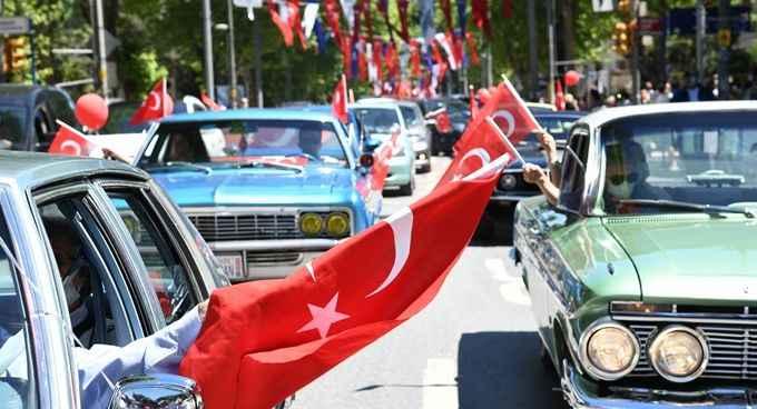 Kadıköy'de kürekler bandırma vapuru için çekildi