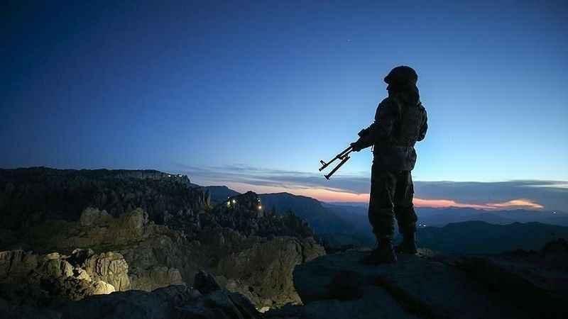 Terör örgütü PKK'dan kaçan 3 terörist güvenlik güçlerine teslim oldu