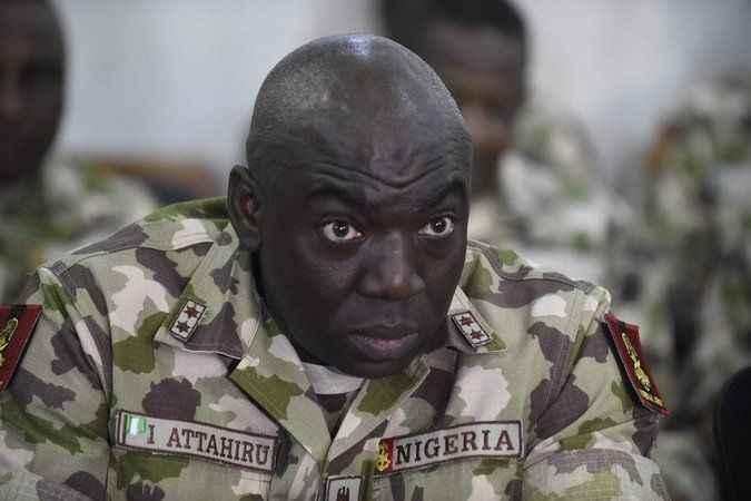 Nijerya şokta! Genelkurmay Başkanı uçak kazasında öldü