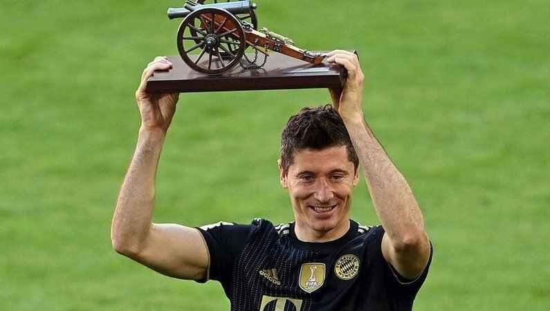Bayern Münih farklı kazandı; Lewandowski kırılmaz denen rekoru kırdı