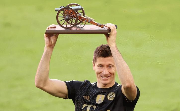 Lewandowski, Gerd Müller'in rekorunu kırdı