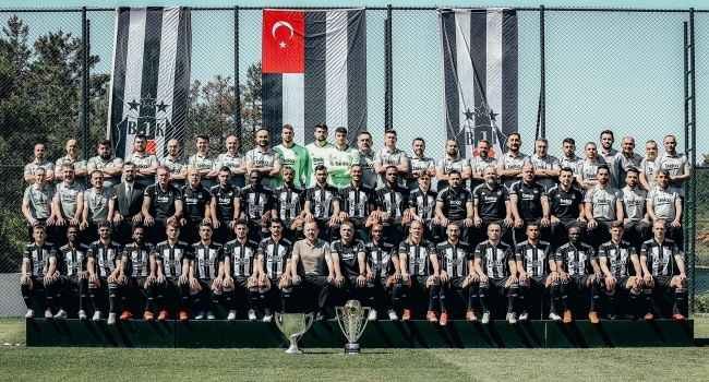 Beşiktaş'tan çifte kupalı paylaşım