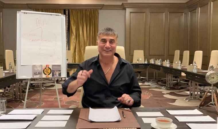 Sedat Peker arkadaki yazı tahtasıyla kime mesaj verdi: Açıklarsam...