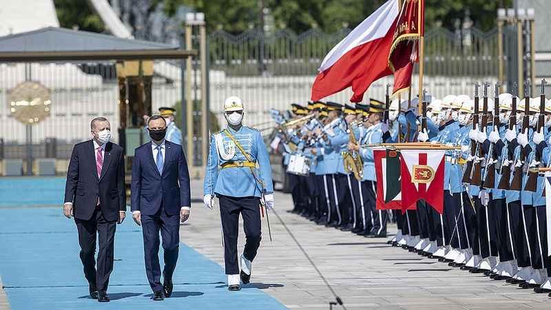 Türkiye'den 24 adet SİHA almıştı! Polonya Cumhurbaşkanı Türkiye'de