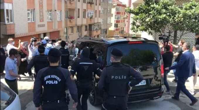 Son dakika: Eyüpsultan'da Ekrem İmamoğlu'nun konvoyunda gerginlik