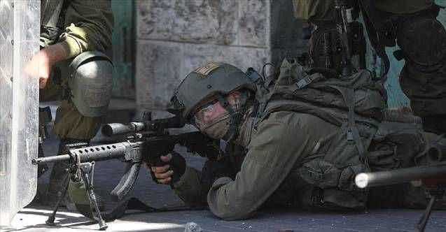 Siyonist İsrail askerleri Filistinli çocuğa ateş etti